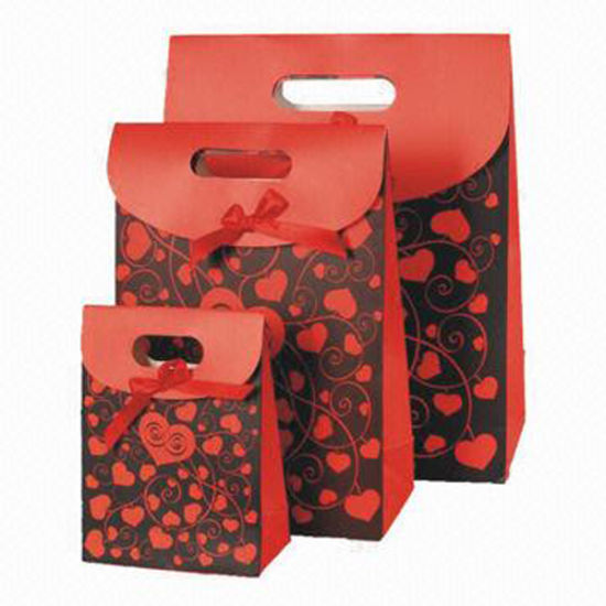Wholesale Christmas Paper Bag Customized Printing Service